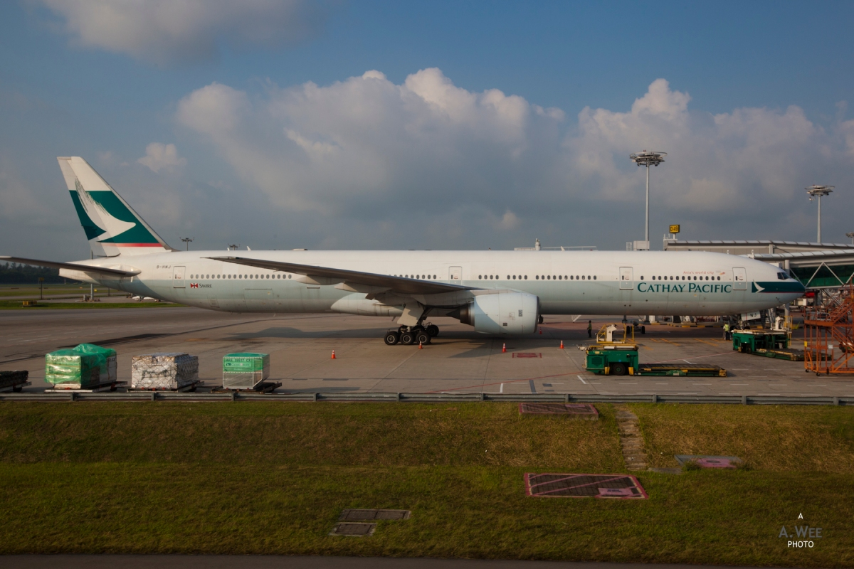 pay disagreements between cathay pacific airways