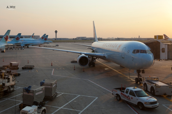 Weekend in Toronto: Direct Transcontinental YYZ-YVR on Air CanadaEconomy