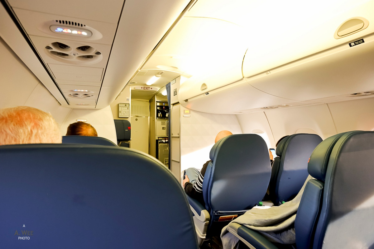 delta airlines embraer 175 domestic first class between