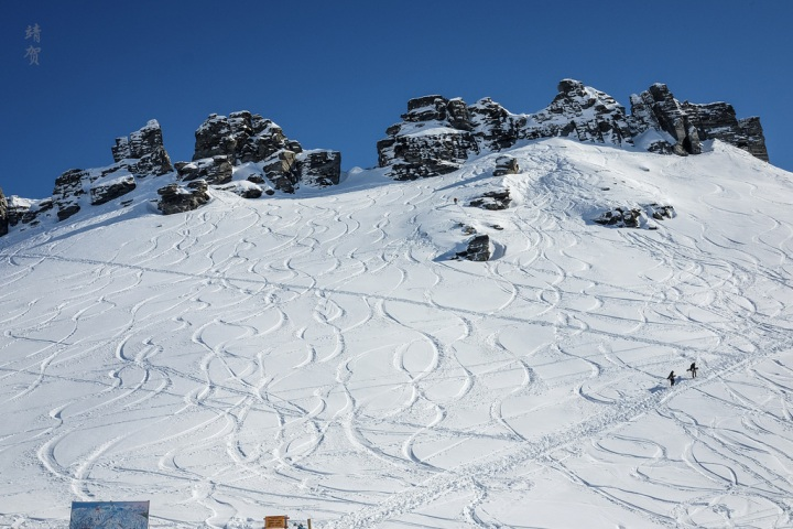 Skiing around Queenstown: In search of gullies at Treble Cone inWanaka