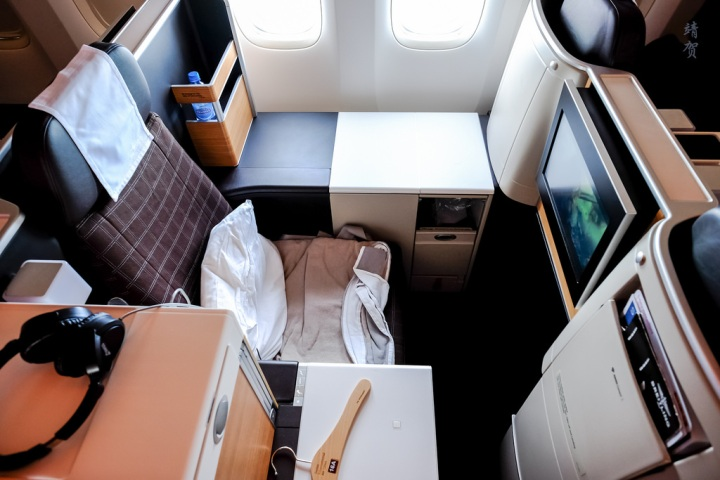Swiss Air Business Class on the 777-300ER from Zurich to Singapore